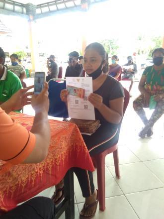 Pencairan BST Desa Mengening dengan 20 KK