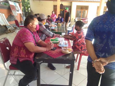 Pembagian BLT Dana Desa Tahap III Untuk Warga Desa Mengening