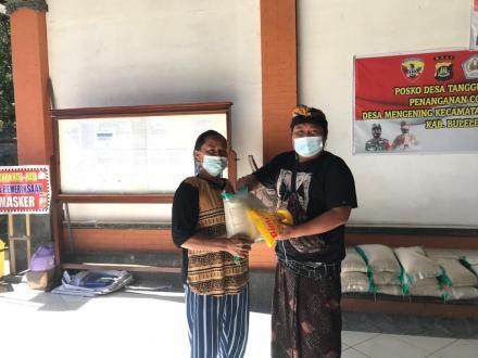Pembagian Sembako Lansia Dari Dana Desa Sebanyak 80 KPM